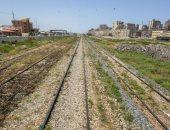 إزالة التعديات بحرم السكة الحديد بمحرم بك بالإسكندرية تمهيدا لتنفيذ مشروع القطار السريع