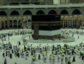 حجاج بيت الله الحرام يؤدون أعمال يوم النحر