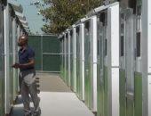 أمريكيون يجهزون بيوت صغيرة لإيواء المشردين في لوس انجلوس.. فيديو
