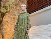 الفستان الفلوري يسيطر على أزياء المحجبات في عيد الأضحى.. ألبوم صور