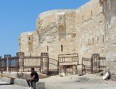 ركوب خيل وعجل وحنطور.. مظاهر العيد بساحة قلعة قايتباى فى الإسكندرية (لايف)