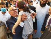 """محافظ بورسعيد يشارك أهالي """"فاطمة الزهراء"""" فرحة العيد بعد تطوير المنطقة.. صور"""