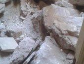 انهيار سقف غرفة بمنزل قديم دون وقوع إصابات بكفر الزيات فى الغربية.. صور