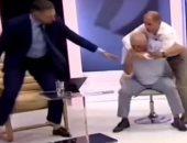 فيديو.. عراك عنيف على الهواء مباشرة بين مسؤولين بمولدوفا