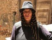 """زوجها اتوفى وساب لها 6 أولاد.. أم شيماء تكافح وتبيع الأنابيب بالكارو بالمنوفية """"فيديو"""""""