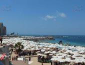 فرحة وسعادة على شواطئ الإسكندرية فى ثالث أيام عيد الأضحى.. فيديو وصور