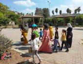 فسحة العيد بـ2 جنيه.. شاهد فرحة الأطفال والأهالى بالعيد فى حدائق المحلة