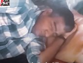 هندى ينام 300 يوم فى السنة بسبب مرض نادر.. فيديو