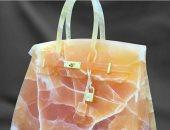 أغرب مواد صنعت منها حقائب نسائية.. من أكياس البسكويت والقهوة للرخام الملون