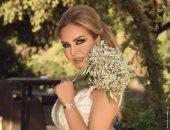 رولا سعد تهدى زوجها أغنية جديدة بمناسبة الزواج.. فيديو