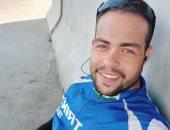 شاب من شمال سيناء يقطع مسافة 700 كيلو على دراجة ورسالته: سيناء آمنة.. صور