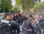 الشرطة الفرنسية تطلق الغاز المسيل للدموع خلال احتجاجات ضد قيود كورونا.. فيديو