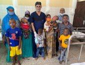 جامعة أسوان تجرى 8 عمليات جراحية خلال قافلة طبية بدولة تنزانيا.. صور