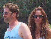 جيرارد بتلر ومورجان براون على الشاطئ فى ماليبو هل عادا لبعضهما؟