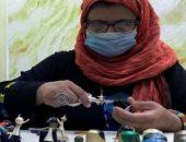 جزائرية تصمم حلى وتماثيل من كبسولات قهوة معاد تدويرها لحماية البيئة