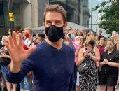 توم كروز يستأنف تصوير Mission: Impossible 7 بشوارع لندن وسط الجمهور (صور)