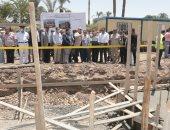 """محافظ بنى سويف يتفقد مشروعات """"حياة كريمة"""" بـ 46 قرية بتكلفة 180 مليون جنيه"""