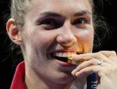 """سر """"عض"""" أبطال الأولمبياد ميدالياتهم الذهبية.. ولجنة طوكيو 2020 تحذر"""