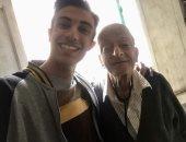 حفيد طبيب الغلابة ينشر صورة فى ذكرى وفاة جده ويعلق: نسألكم الدعاء له بالرحمة