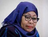 """أزمة """"الصدور المسطحة"""".. تصريح مثير لرئيسة تنزانيا يثير غضب النساء.. فيديو"""
