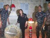 إلهام شاهين تزور النصب التذكاري لشهداء مرفأ بيروت في الذكرى الأولى للانفجار