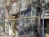 مدينة الأقصر تستكمل طلاء واجهات المنازل بطول طريق الكباش قبل افتتاحه