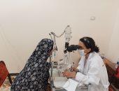 الكشف وتقديم العلاج لأكثر من 420 مواطنا وتوفير 52 نظارة طبية فى قافلتين ببنى سويف