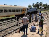 تصادم قطار ركاب بالصدادات الخرسانية فى محطة نجع حمادى ووقوع إصابات
