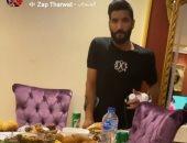 وليمة تجمع كهربا مع صالح جمعة بعد خضوع الأخير لجراحة في وتر أكيليس
