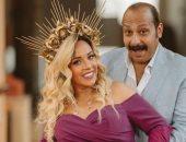 الفنان محمد ثروت يتغزل فى زوجته: بحبك يا أم دهب