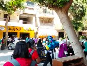 زغاريد وبلالين أمام لجان الثانوية العامة احتفالا بانتهاء الامتحانات
