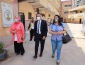أحمد فتحى ومرثا محروس نائبا التنسيقية يستجيبان لشكاوى أولياء أمور مدرسة بمصر الجديدة
