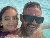 """أمير كرارة يحتفل بعيد ميلاد ابنته """"ليلى"""": كل سنة وانتى أحلى لولا.. صور"""