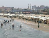 50 جنيها لقضاء يوم أنت وأسرتك على شواطئ بورسعيد.. لايف وصور