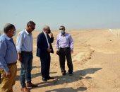 محافظ جنوب سيناء يتفقد تطوير طريق حمام موسى بـ40 مليون جنيه.. صور