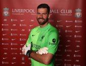 ليفربول يمدد تعاقد أليسون رسميا حتى 2027