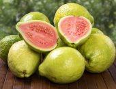 كيف تؤثر الجوافة على القولون؟ تناولها باعتدال