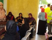 حياة كريمة فى قنا.. الكشف على 924 مواطنا ضمن قافلة طبية مجانية بقرية هوّ
