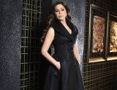 إليسا تنفى ارتداءها درعا واقيا خلال حفلها الغنائى فى بغداد