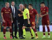 طرد مورينيو بعد اعتراضه غير اللائق على حكم مباراة روما وبيتيس.. صور