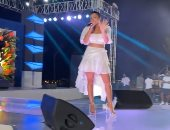 """روبى ترقص على أغانيها خلال حفلها فى الساحل بحضور جماهيرى كبير """"فيديو"""""""