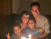 صورة من احتفال أحمد داود بعيد ميلاد زوجته علا رشدى: نحن نحبك