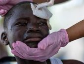 الكوارث الطبيعية تفاقم معاناة هايتى.. زلزال عنيف يودى بحياة 2200 شخص و600 ألف مشرد.. تدمير خزانات المياه يهدد حياة الناجين.. والعاصفة الاستوائية تعيق البحث عن المفقودين.. وأزمة كبرى بالمستشفيات.. صور وفيديو