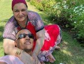 """محمد رمضان فى صورة مع والدته قبل حفل الساحل: """"أجمل كوباية قهوة مع ست الكل"""""""