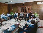 محافظ شمال سيناء يستقبل لجنة نقابة المهندسين بعد معاينة عمارات بالعريش