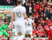 ليفربول يخطف صدارة الدوري الإنجليزي مؤقتاً بثنائية فى بيرنلي.. فيديو