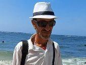"""""""أحمد"""" مصور شاطئ من 30 سنة بالإسكندرية.. يتحدى تكنولوجيا الموبايل.. لايف"""