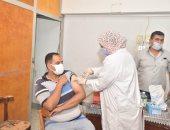 حملة لتطعيم العاملين بديوان عام أسيوط بلقاح كورونا وتعميمها على باقى المراكز