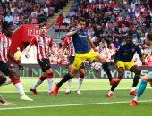 ساوثهامبتون يفاجئ مانشستر يونايتد بهدف فى الشوط الأول.. فيديو