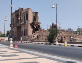 استمرار العمل فى إزالة قصر أندراوس بكورنيش النيل بالأقصر.. لايف